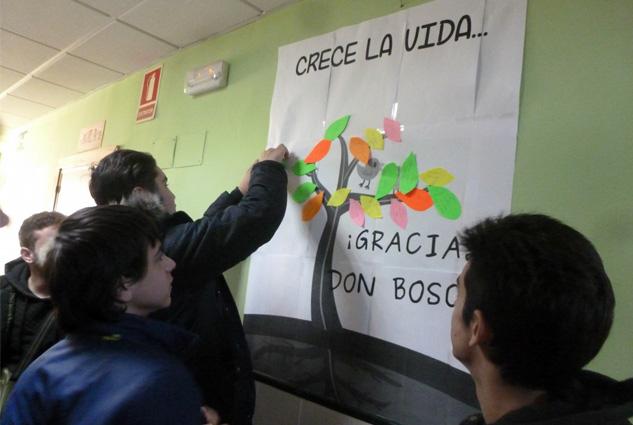 El CSL Actur celebra el día de Don Bosco redecorando el centro