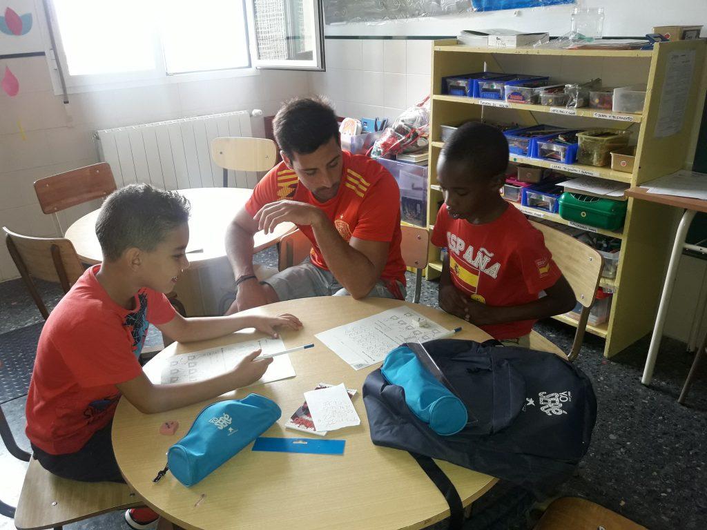 Inicio del refuerzo escolar en el CTL Sin Mugas
