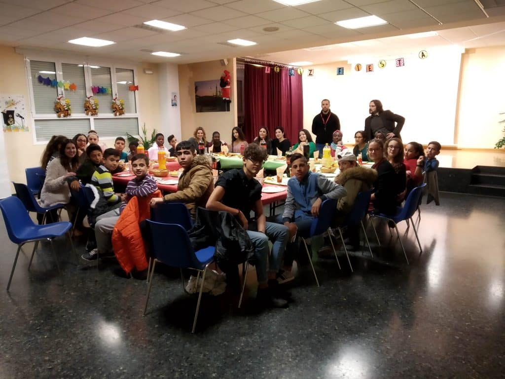 Cena de Navidad con los adolescentes del CTL Sin Mugas