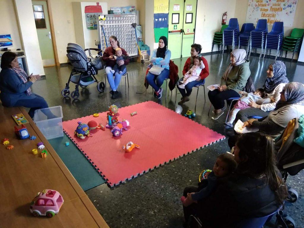 Aprendiendo sobre lactancia materna en el Centro Materno Infantil